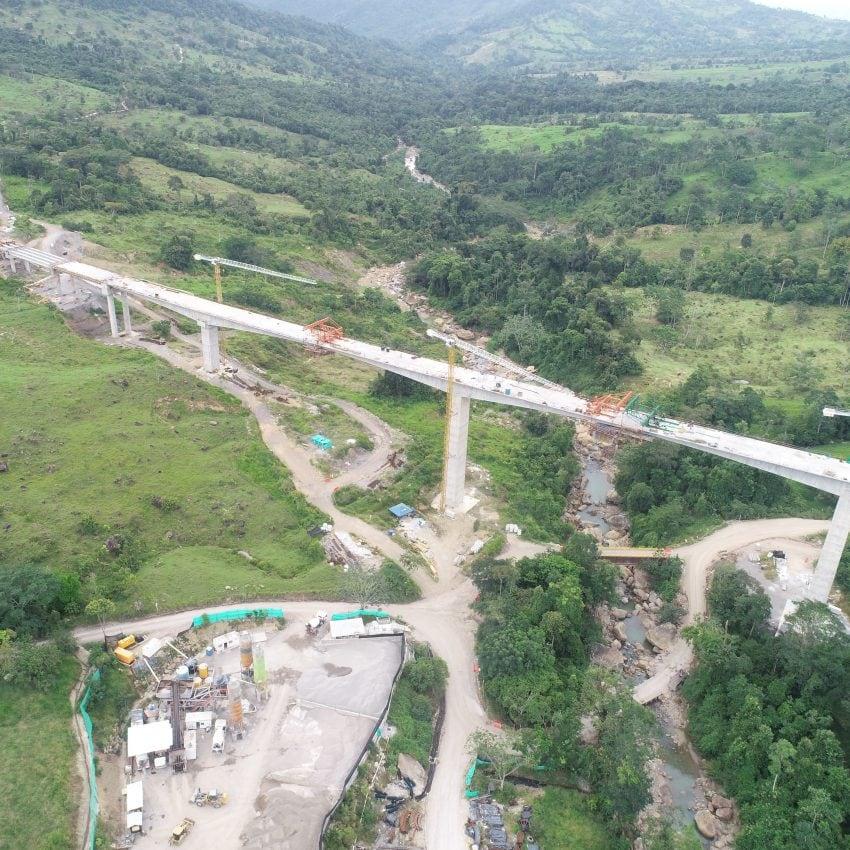 Ruta Cacao Colombia obras dovelas viaducto rio sucio
