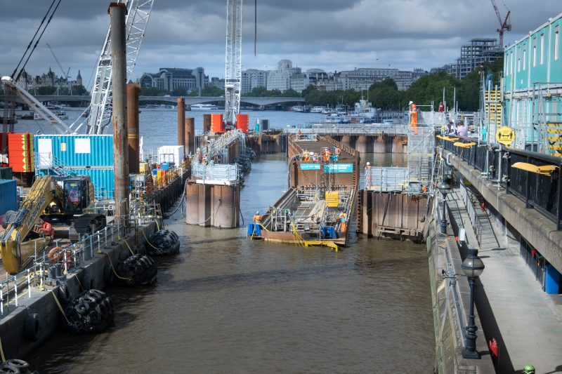 Sewer segment weighing 3,700 tonnes floated into place at Blackfriars