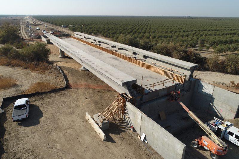Viaducto Poso Creek Completado California Construcción Tren Alta Velocidad