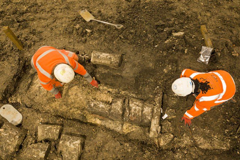HS2 High Speed Rail Archaeologists 9th Century Ruins Buckinghamshire