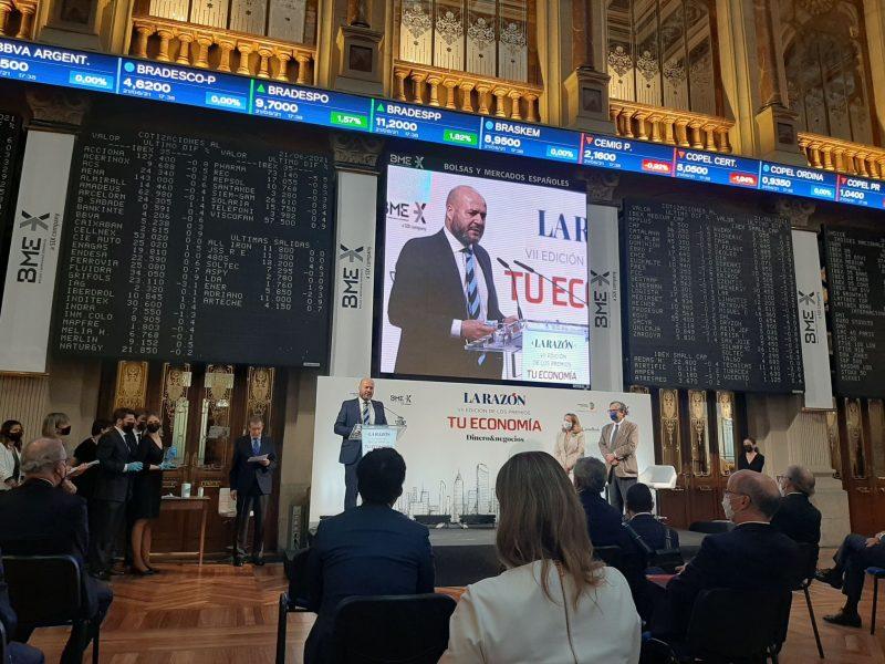 Ignacio Gaston recoge el premio La Razón a su estrategia de transformación digital
